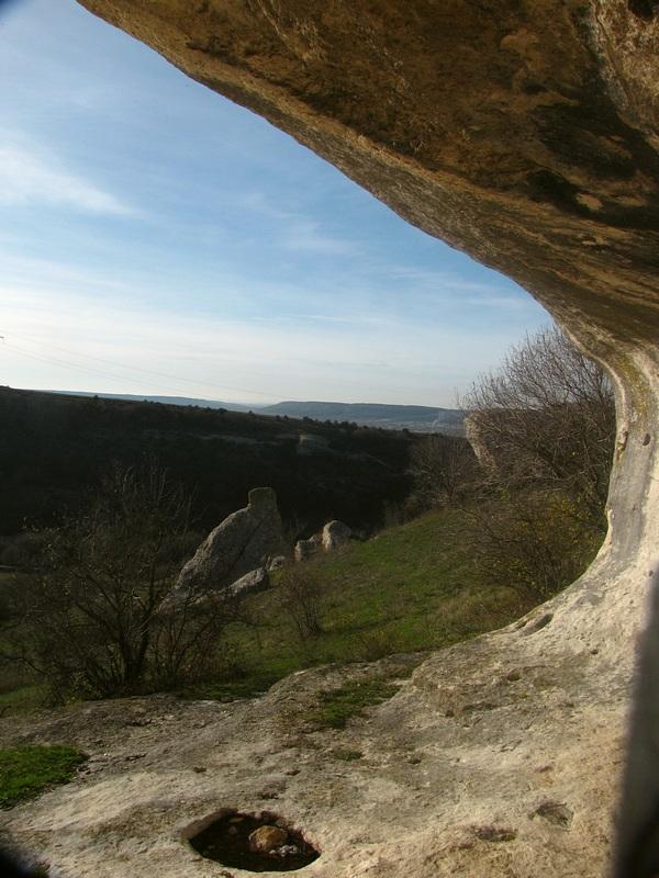 Вид на долину из грота